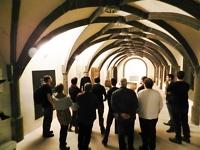 Batix-Mitarbeiter beim Museumsrundgang mit Direktor Dr. Dirk Henning