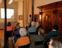 Bernd Lochner präsentiert seinen Vortrag über die Geschichte der Feengrotten