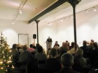 Bürgermeister Mathias Graul dankt den Autoren und Sponsoren für ihre Unterstützung